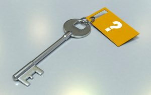 key with question mark tag indicating questions you can ask when writing your resume